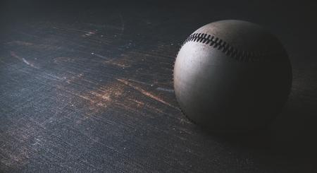木製の机の上の野球のクローズ アップ。スポーツ コンセプト。3 D レンダリング