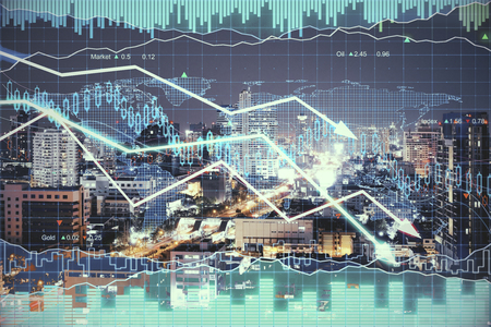 flèche double: Forex chart on illuminated night city background. Fund management concept. Double exposure Banque d'images