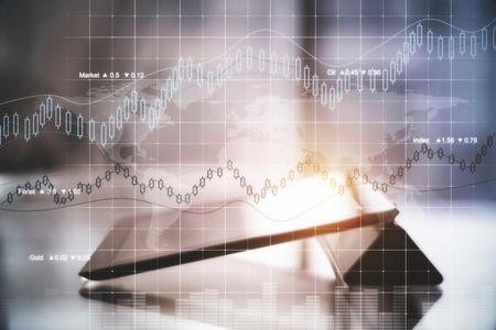 Tableta con holograma abstracto de divisas. Concepto de crecimiento financiero. Imagen tonificada. Exposicion doble Foto de archivo - 84149639