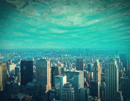 Abstracte stad en water, oceaan, zee achtergrond met kopie ruimte. Creativiteit, abstractie en innovatieconcept