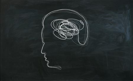 脳の落書きと男性の頭の輪郭 写真素材