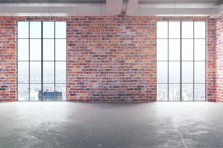 Vue de face de l'intérieur de brique rouge vide avec sol en béton et des fenêtres panoramiques avec vue sur la ville et la lumière du soleil. Concept immobilier Rendu 3D