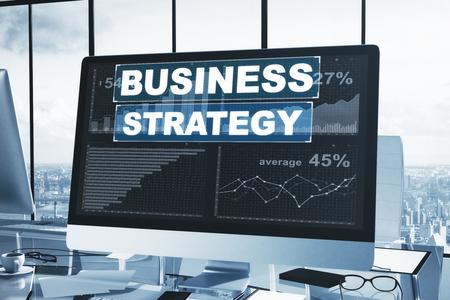 Local de trabalho com gráfico de estratégia de negócios na tela do computador. Conceito de análise. Renderização 3D Foto de archivo - 89595927