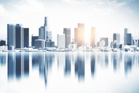 美しい反射都市の背景。クリエイティブ壁紙コンセプト