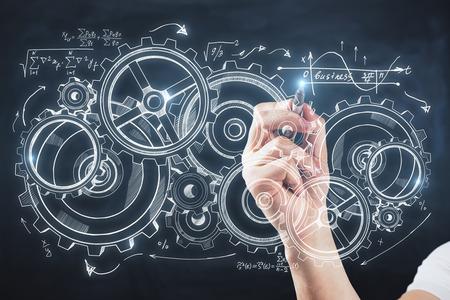 Hand tekenen creatieve tandrad schets op blauwe achtergrond. Apparaat- en serviceconcept