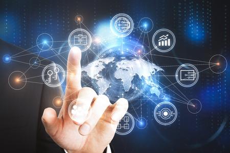 Hand wijzend op digitale bedrijfsinterface. Globaal bedrijfsconcept. 3D-weergave Stockfoto