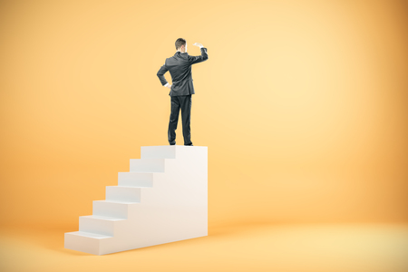 Businessman on top of stairs looking into the distance on yellow background. Success and research concept. 3D Rendering Standard-Bild - 107404825