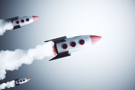 Launching rockets on gray background. Start up and project concept. Banque d'images - 113328149