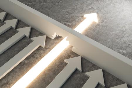 Gloeiende pijl die door muur op concrete achtergrond breekt. Doorbraak en succesconcept. 3D-rendering