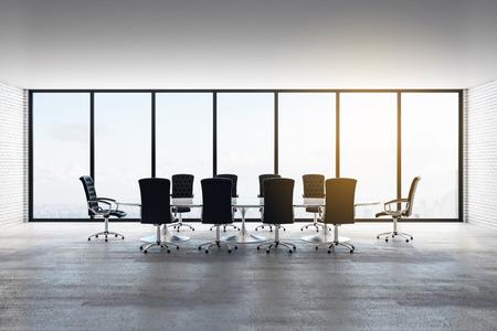 Interior de la sala de reuniones de hormigón moderno con vista panorámica de la ciudad, muebles y luz natural. Representación 3D