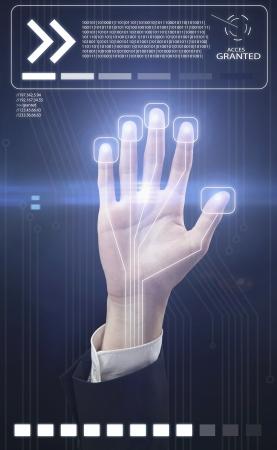 reconnaissance: Technologie main de balayage pour la s�curit� ou identification.Hand avec le scanner et l'interface de l'ordinateur Banque d'images
