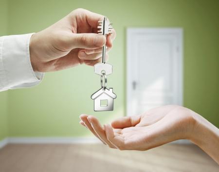 thumb keys: passing keys against backdrop of green room