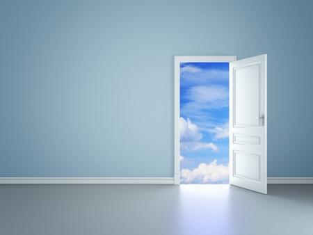 stanza blu con una porta aperta in cielo