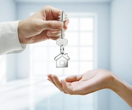 thumb keys: passing key with key chain