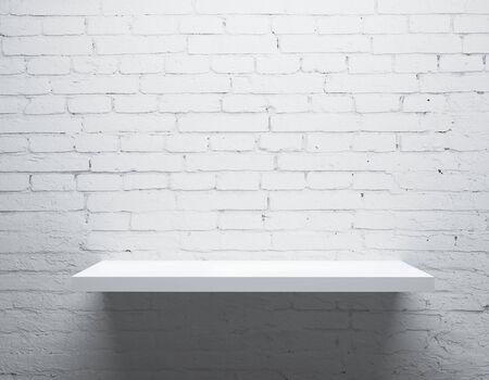 estanterias: pared de ladrillo blanco y estante Foto de archivo