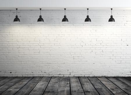 brique: salle de brique avec plancher de bois et de cinq lampes Banque d'images