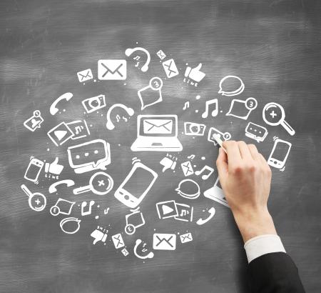 network marketing: mano con tiza dawing concepto de red social Foto de archivo