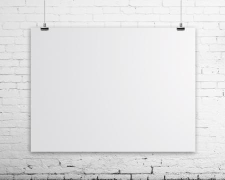 pared de ladrillo con cartel en blanco Foto de archivo