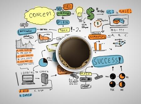 internet cafe: taza de caf� y la estrategia de negocios coloreada sobre un fondo blanco Foto de archivo