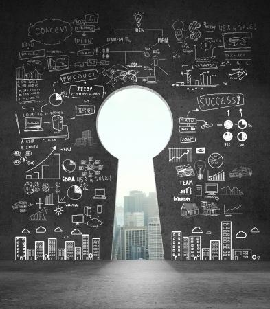 puerta: muro de concreto abierto en forma de ojo de cerradura con un dibujo concepto de negocio Foto de archivo
