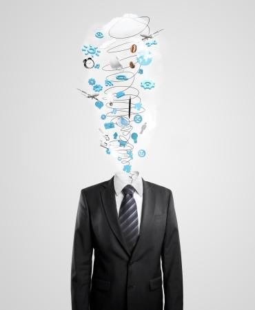 communicatie: zakenman met orkaan in plaats van het hoofd