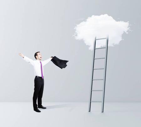 cielo: hombre de negocios la felicidad y la nube de Escalera al cielo
