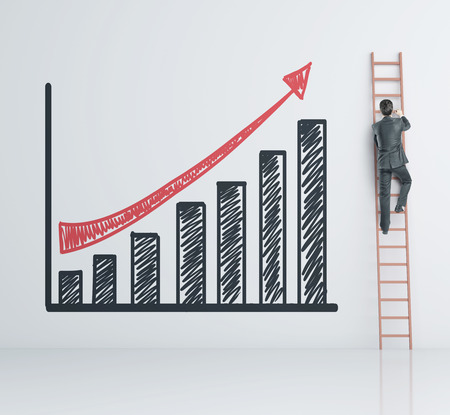 trepadoras: hombre de negocios que sube en escalera y valores gráfico