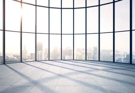 la lumière du soleil bureau de modetn avec grande fenêtre