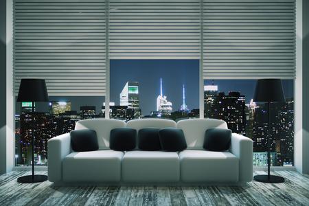 Vue de face de l'intérieur salon moderne avec des oreillers noirs sur canapé blanc, lampadaires, parquet et baie vitrée avec stores et illuminé vue nocturne de la ville. rendu 3D
