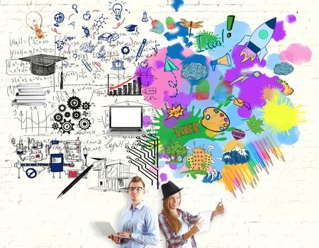 Het jonge meisje en de man en heldere kleurrijke schets op bakstenen achtergrond. Creatief en analytisch denken begrip