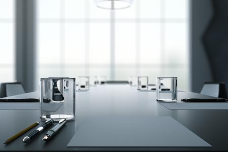 articulos oficina: Cerca de la mesa de conferencias oscuro con vasos de agua, lápices, hojas de papel y la ventana de fondo borroso. Representación 3D