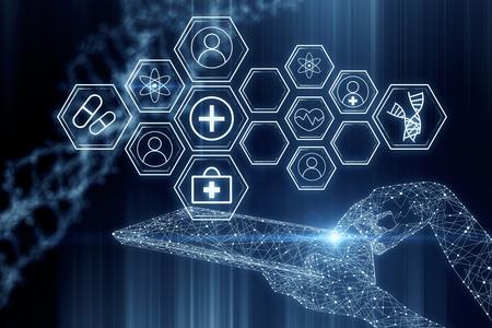 Zusammenfassung glühende polygonale Hand mit Tablette mit medizinischen Zellen auf dunklem Hintergrund mit DNA. Cyberspace-Konzept. 3D-Rendering Standard-Bild