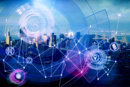 Kreative digitale Geschäftsschnittstelle auf Stadthintergrund. Zukunft und Medienkonzept. Doppelbelichtung