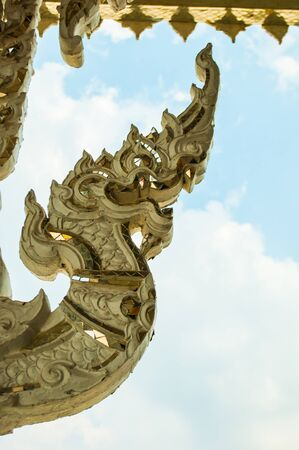 lamina: Dragon tail Statues
