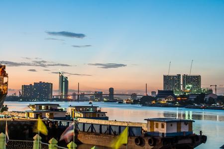 phraya: Chao Phraya River Twilight View Foto de archivo