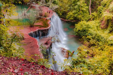 Parco nazionale della cascata di Huay Mae Kamin, Kanchanaburi, Tailandia