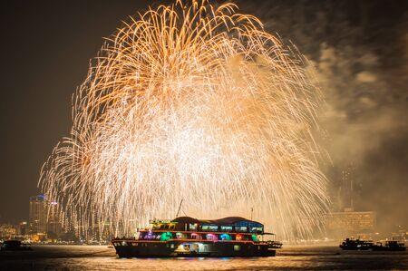aerial bomb: Pattaya International Fireworks at Nov 28,2015