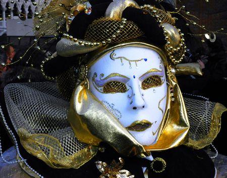 masked woman: una mujer es enmascarados vestidos de carnivale en Venecia, Italia