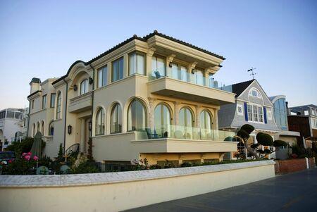 Modern luxury home Stock Photo - 1974801