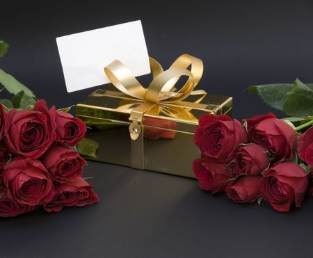 notecard: Red Roses and note card with gift box Stock Photo