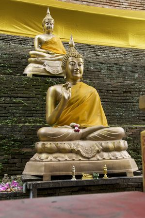 smiling buddha: Two Buddha statues at Wat Lok Molee Temple in Chiang Mai,Thailand