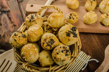 cheesy: Cheesy Bites with garlic, blue cheese, sprinkled with poppy and sesame seeds