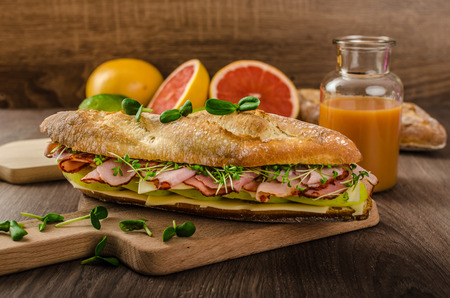 baguette with smoked rump, apples and Emmenthal