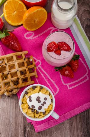 corn flakes: Smoothie fraise et les flocons de ma�s, petit d�jeuner sain
