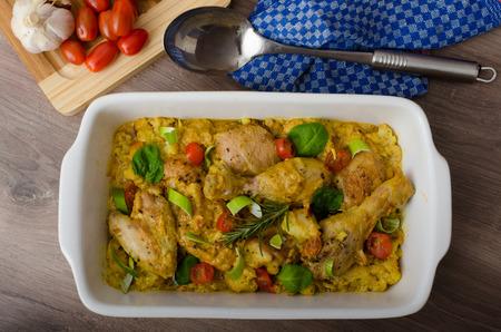 Cuartos De Pollo Asado Con Verduras Al Curry, Coliflor, Tomates Y ...