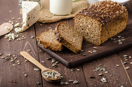 Whole wheat bread Standard-Bild
