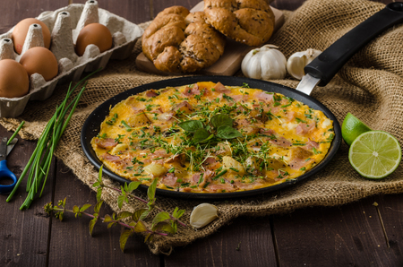 lime juice: Egg omeletta with ham and herbs, bio eggs and little bit of lime juice