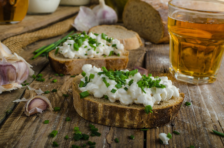 chive: Homemade bread with spread - fresh cheese with garlic and chive