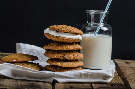 cookies and cream: Homemade Oatmeal Cream Pie Cookies with creamy and delicious filling