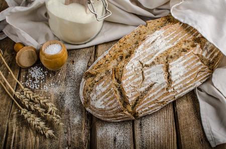 自家製サワー種のパン 写真素材